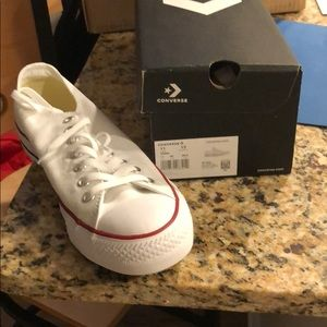BRAND NEW never worn, size 11 men, white converse